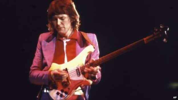 Yes bass guitarist Chris Squire dies aged 67 16