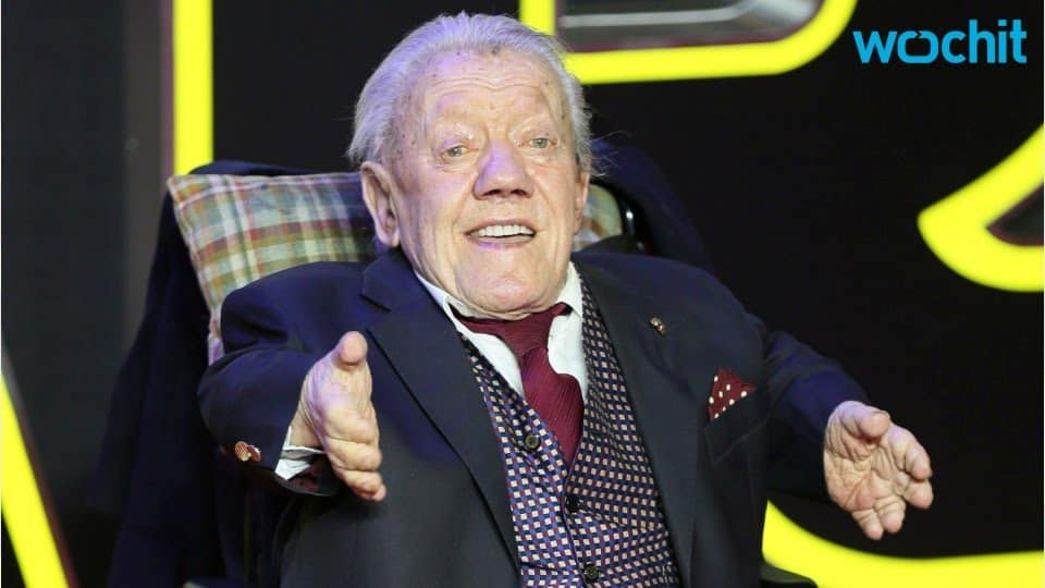 Kenny Baker Actor Who Played R2-D2 Is Dead at 81 21