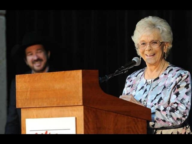 Jean Shepard, Country Music Hall of Fame singer, dies 1